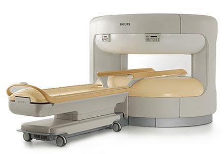Im offenen MRT brauchen Sie keine Platzangst haben. Die Untersuchungen mit Freiraum und Rundumblick